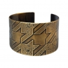 Medium Pattern Houndstooth Cuff/Antique Brass Finish